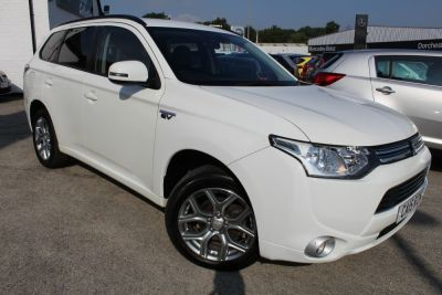 Mitsubishi Outlander 2.0 PHEV GX3h 5dr Auto - FREE ROAD TAX Estate Petrol / Electric Hybrid WhiteMitsubishi Outlander 2.0 PHEV GX3h 5dr Auto - FREE ROAD TAX Estate Petrol / Electric Hybrid White at Dorchester Collection Dorchester