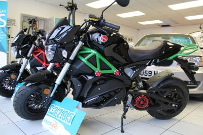 Artisan Ev0 EVO3 72v 30aH Electric Motorcycle - NEW AND UNREGISTERED - FREE DELIVERY WITHIN 100 MILES Sports Tourer Electric Black & Green Or Black & RedArtisan Ev0 EVO3 72v 30aH Electric Motorcycle - NEW AND UNREGISTERED - FREE DELIVERY WITHIN 100 MILES Sports Tourer Electric Black & Green Or Black & Red at Dorchester Collection Dorchester