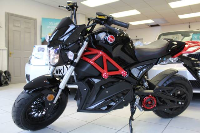Artisan Ev0 EVO3 72v 30aH Electric Motorcycle - NEW Sports Tourer Electric Black & Green Or Black & Red